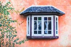 Ξύλινα Windows Στοκ εικόνες με δικαίωμα ελεύθερης χρήσης