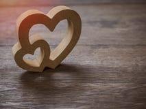 Ξύλινες καρδιές στοκ φωτογραφία με δικαίωμα ελεύθερης χρήσης