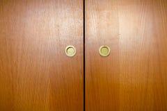 Ξύλινες λαβές ντουλαπών στοκ εικόνες