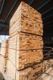 Ξύλινες Slats αποκοπές που συσσωρεύονται Στοκ εικόνες με δικαίωμα ελεύθερης χρήσης