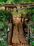 Ξύλινη αγροτική γέφυρα Στοκ φωτογραφία με δικαίωμα ελεύθερης χρήσης