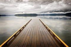 Ξύλινη αποβάθρα στη λίμνη του Harrison, Βρετανική Κολομβία, Καναδάς Στοκ Εικόνες