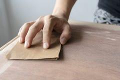 Ξύλινη δύναμη επιφάνειας ξυλουργού να ρυθμιστεί η επιφάνεια της επιφάνειας στοκ φωτογραφία με δικαίωμα ελεύθερης χρήσης