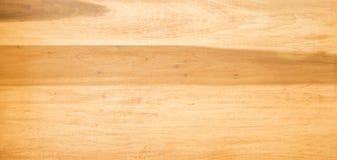 Ξύλινη επιτραπέζια κορυφή στην ελαφριά ξυλεία Στοκ εικόνα με δικαίωμα ελεύθερης χρήσης