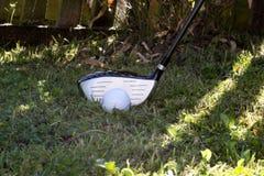 Ξύλινη λέσχη στενών διόδων γκολφ στον τραχύ Στοκ φωτογραφίες με δικαίωμα ελεύθερης χρήσης
