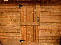 Ξύλινη μπροστινή πόρτα καμπινών, και μέτωπο - επιτροπές στοκ φωτογραφία με δικαίωμα ελεύθερης χρήσης