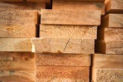 Ξύλινη ξυλεία στο πριονιστήριο στοκ φωτογραφία
