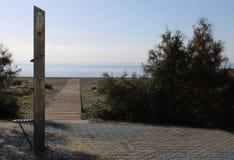 Ξύλινη πορεία στην παραλία στοκ φωτογραφία με δικαίωμα ελεύθερης χρήσης