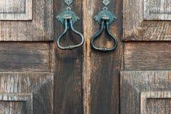 ξύλινη πόρτα παλαιά και ηλικίας Στοκ Φωτογραφίες