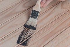 Ξύλινη σύσταση και πινέλο/οικιακά στοκ φωτογραφία με δικαίωμα ελεύθερης χρήσης