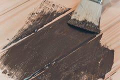 Ξύλινη σύσταση και πινέλο/οικιακά στοκ φωτογραφία