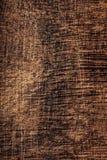 Ξύλινη σύσταση, καφετής γρατσουνισμένος ξύλινος τέμνων πίνακας Φυσικό σκοτάδι στοκ εικόνες