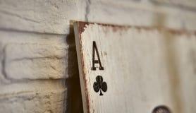 Ξύλινοι άσσοι καρτών παιχνιδιού για τη διακόσμηση Στοκ εικόνες με δικαίωμα ελεύθερης χρήσης
