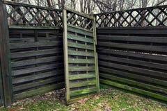 Ξύλινος ο φράκτης κήπων στοκ φωτογραφίες με δικαίωμα ελεύθερης χρήσης