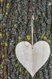 Ξύλινος πίνακας καρδιών Στοκ Φωτογραφίες