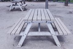 Ξύλινος πίνακας στο πάρκο στοκ φωτογραφία με δικαίωμα ελεύθερης χρήσης