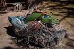 Ξύλινος πράσινος κροκόδειλος Στοκ φωτογραφία με δικαίωμα ελεύθερης χρήσης