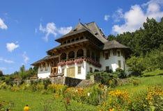 Ξύλινο μοναστήρι Barsana, Maramures, Ρουμανία στοκ φωτογραφίες