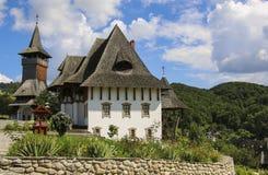 Ξύλινο μοναστήρι Barsana, Maramures, Ρουμανία στοκ φωτογραφία με δικαίωμα ελεύθερης χρήσης