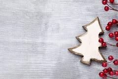 Ξύλινο ντεκόρ Χριστουγέννων Χριστούγεννα συμβόλων χαιρετισμός καλή χρονιά καρτών του 2007 Στοκ φωτογραφίες με δικαίωμα ελεύθερης χρήσης