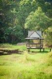 Ξύλινο περίπτερο στο πάρκο στοκ φωτογραφία με δικαίωμα ελεύθερης χρήσης