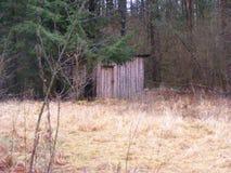Ξύλινο σπίτι κυνηγιού στο δάσος, Λευκορωσία Στοκ φωτογραφία με δικαίωμα ελεύθερης χρήσης