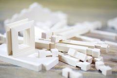 Ξύλινο σπίτι παιχνιδιών Ο κατασκευαστής αποτελείται από το φυσικό ξύλο για το CH Στοκ Φωτογραφίες