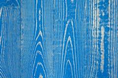 Ξύλινο υπόβαθρο με το έντονο σχέδιο στους μπλε χρωματισμένους πίνακες Στοκ φωτογραφίες με δικαίωμα ελεύθερης χρήσης