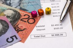 Ξύλινο φορολογικό αυστραλιανό δολάριο κειμένων κύβων Στοκ φωτογραφία με δικαίωμα ελεύθερης χρήσης