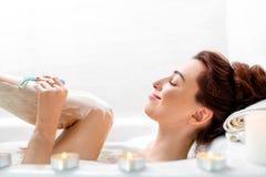 Ξύρισμα γυναικών Στοκ εικόνες με δικαίωμα ελεύθερης χρήσης