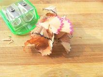Ξύρισμα και sharpener μολυβιών ξύλινο Στοκ φωτογραφίες με δικαίωμα ελεύθερης χρήσης
