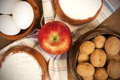 Ξύλα καρυδιάς, Apple και αυγά Στοκ Εικόνα