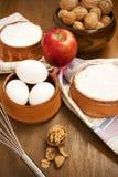 Ξύλα καρυδιάς, Apple και αυγά Στοκ φωτογραφίες με δικαίωμα ελεύθερης χρήσης