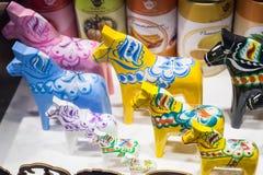 Ξύλινα άλογα παιχνιδιών, σουηδικό αναμνηστικό Στοκ φωτογραφία με δικαίωμα ελεύθερης χρήσης