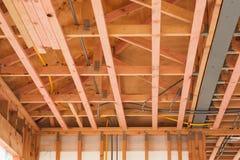 Ξύλινα ανώτατα όρια, σπίτια οικοδόμησης στη Νέα Ζηλανδία Στοκ Εικόνες