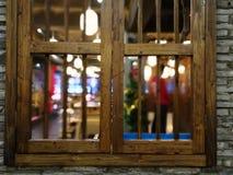 Ξύλινα παράθυρα με το παλαιό ύφος Στοκ εικόνες με δικαίωμα ελεύθερης χρήσης