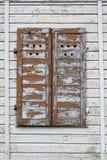 Ξύλινα παραθυρόφυλλα στοκ εικόνα με δικαίωμα ελεύθερης χρήσης