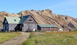 Ξύλινα σπίτια σε Landmannalaugar, Ισλανδία Στοκ φωτογραφία με δικαίωμα ελεύθερης χρήσης