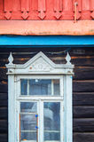 Ξύλινα στοιχεία προσόψεων αρχιτεκτονικής Παράθυρο Στοκ εικόνες με δικαίωμα ελεύθερης χρήσης