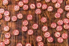 Ξύλινα τσιπ αριθμού Bingo Στοκ Φωτογραφία