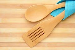 Ξύλινα spatula και κουτάλι Στοκ εικόνες με δικαίωμα ελεύθερης χρήσης