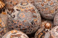 Ξύλινες γλυπτικές αυγών Στοκ εικόνα με δικαίωμα ελεύθερης χρήσης