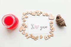 Ξύλινες καρδιές, μαρμελάδα Στοκ εικόνα με δικαίωμα ελεύθερης χρήσης