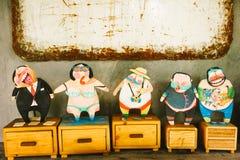 Ξύλινες κούκλες χρωμάτων κινούμενων σχεδίων Στοκ φωτογραφία με δικαίωμα ελεύθερης χρήσης