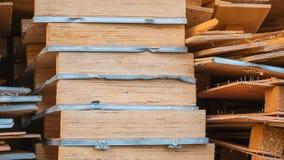 Ξύλινες παλέτες κατασκευασμένες και υπόβαθρο Στοκ φωτογραφίες με δικαίωμα ελεύθερης χρήσης