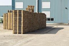 Ξύλινες παλέτες Στοκ εικόνες με δικαίωμα ελεύθερης χρήσης