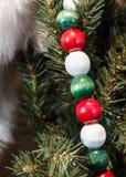 Ξύλινες χάντρες Χριστουγέννων Στοκ εικόνες με δικαίωμα ελεύθερης χρήσης