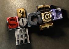 Ξύλινη λέξη μορφής φραγμών εκτύπωσης «κοινωνική» Στοκ Φωτογραφίες