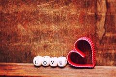 Ξύλινη αγάπη μορφής καρδιών υποβάθρου Στοκ Εικόνες