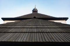 Ξύλινη αρχιτεκτονική επιφάνειας κεραμιδιών στεγών βοτσάλων Στοκ Φωτογραφίες